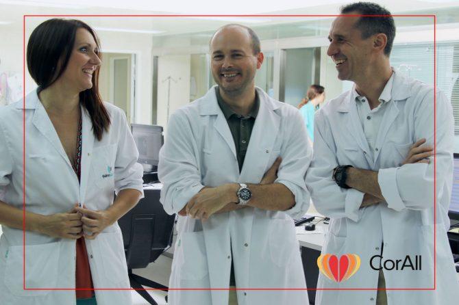 Hoy les hablaremos del equipo de médicos intensivistas de Corall