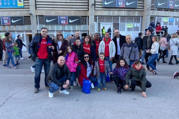 Guerreros Corall disfrutan de un partido de fútbol en el Camp Nou